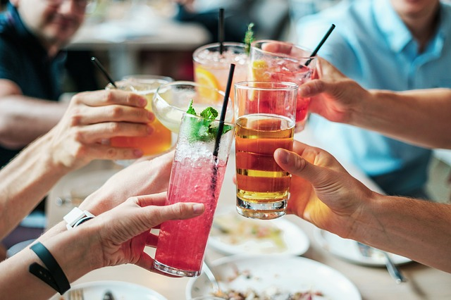 Raise a Glass to the Spring Sunshine at CityBar